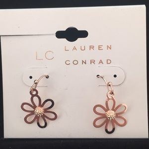 LAUREN CONRAD flower earrings